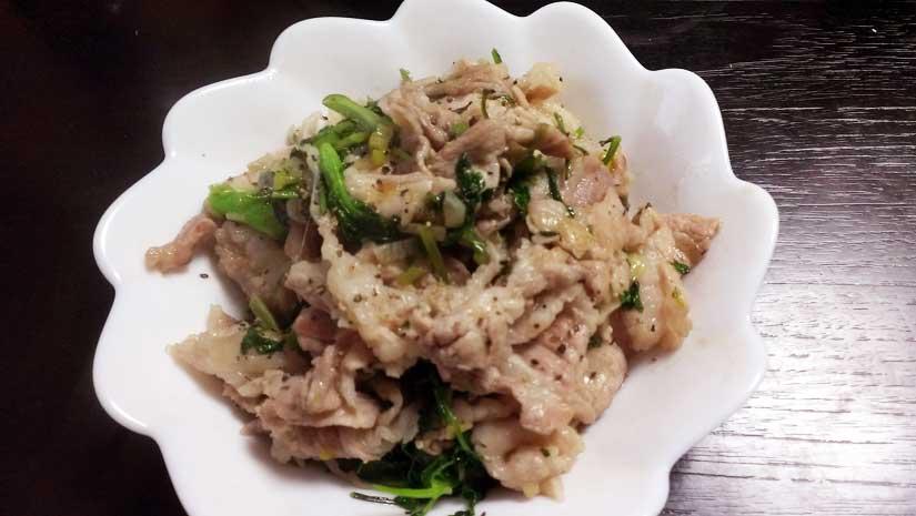 パクチーと豚小間肉の炒め物完成