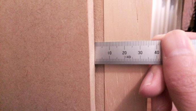自作防音室真ん中 11月の歪みチェック 約6mm